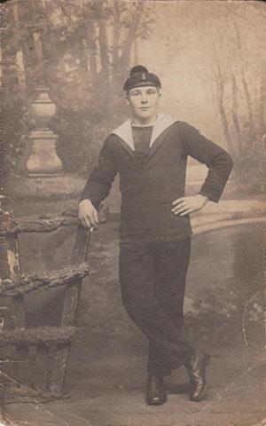 Jeune Marine Nationale vers 1920