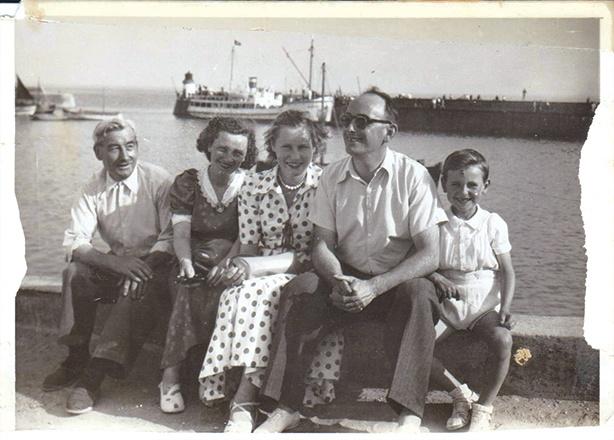 Vacances famille port breton années 50